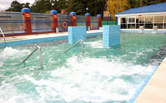 Бассейн в СПА-отеле «Источник»