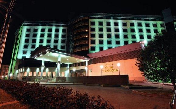 File:Кволити-отель (Тюмень)-1