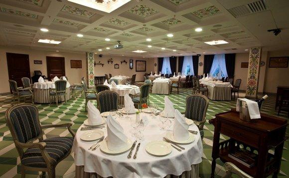 Отель «Ремезов» 4* в Тюмени